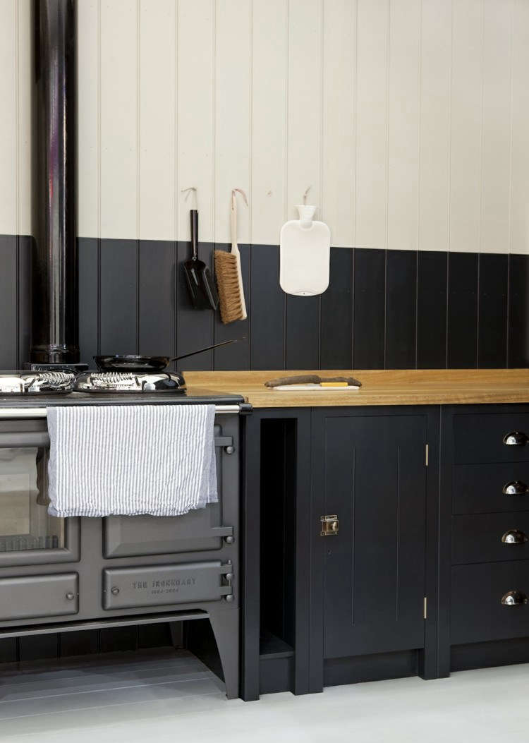 The cabinets come in a variety of sizes and styles; including floor, wall, and tall cabinets. Customers have a choice of buying their hardware from British Standard or supplying their own.