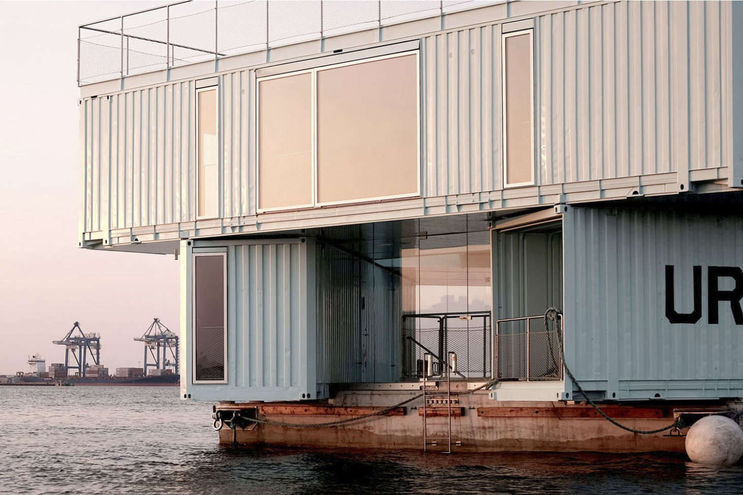 10 Houses Made from Repurposed Shipping Containers