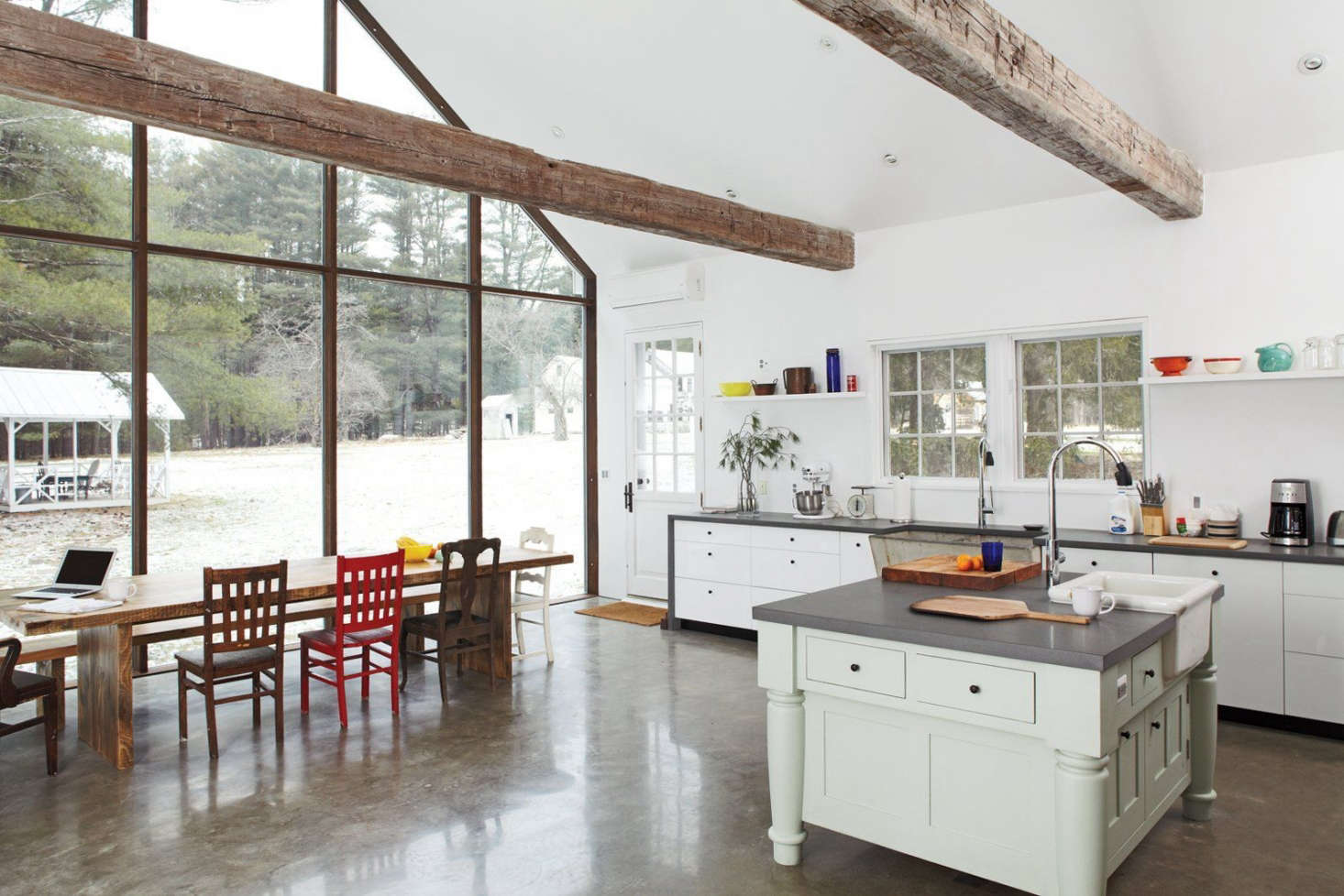 Steal This Look: The Ultimate Farmhouse Kitchen - Remodelista