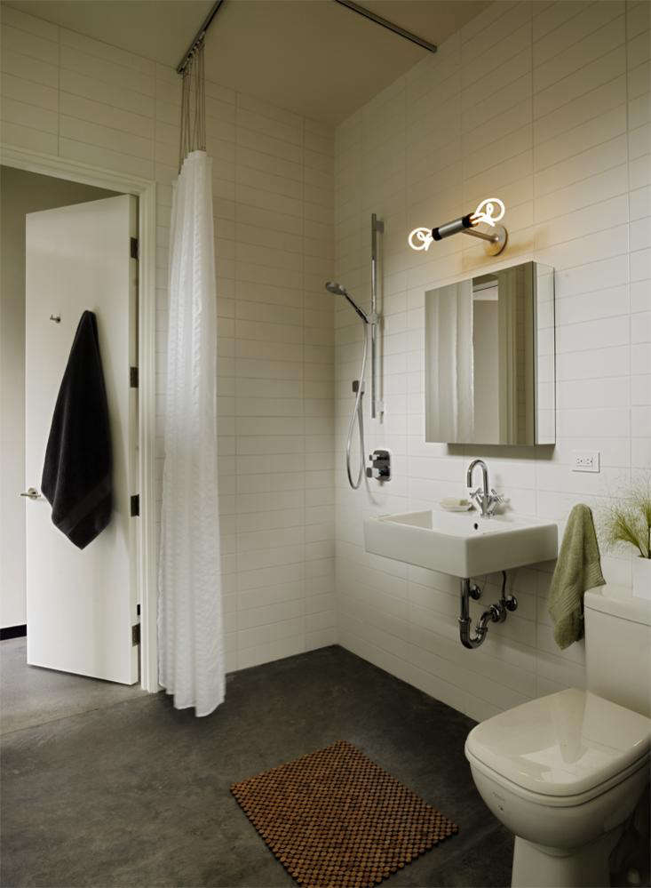 Steal This Look: A Modern Bathroom In Sonoma