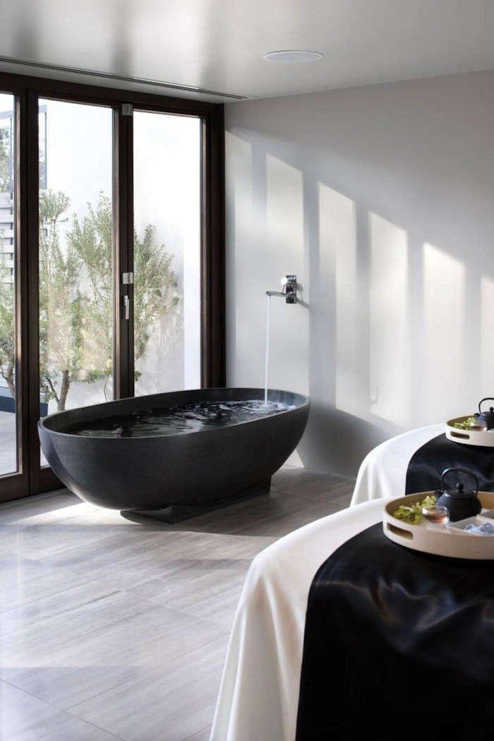 Dark Water: 10 Modern Black Bathtubs - Remodelista