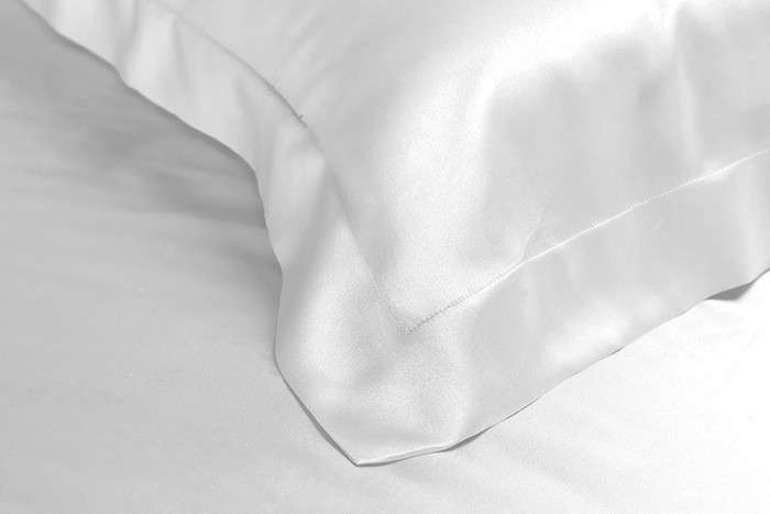 Diy Silk Pillowcase: 10 Favorites  The Sleaze Free Silky Pillowcase   Remodelista,