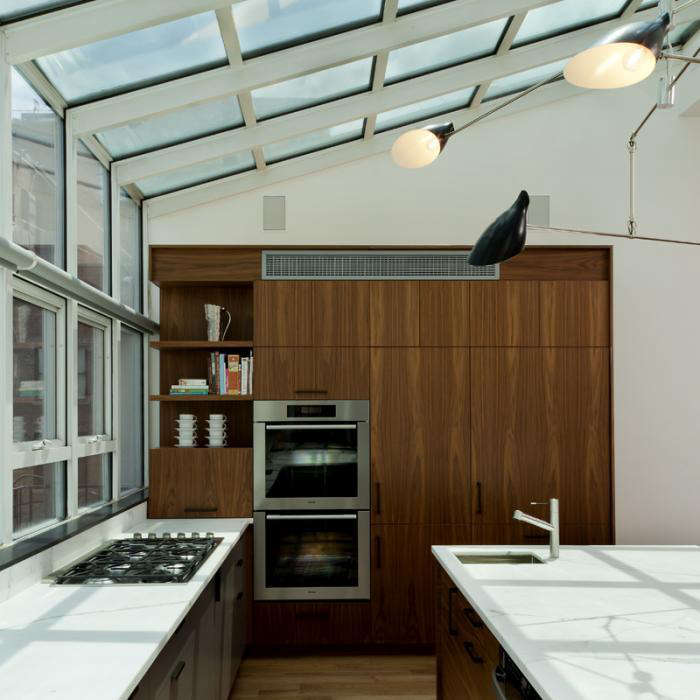Kitchen Cabinets New York City: A New York Flat With A Glamorous View