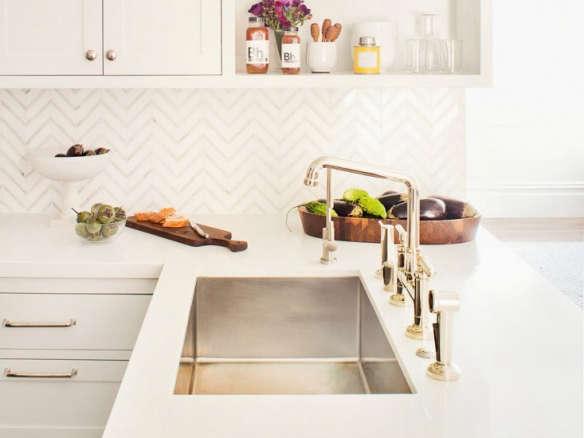 Handle Bridge Kitchen Faucet
