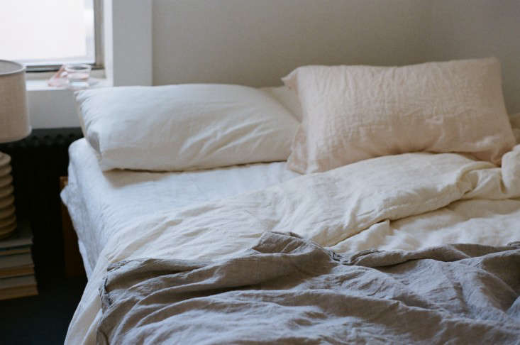 Delicieux Above: The Bedding Is Available In White Reclaimed Irish Linen Sheeting Or  In Natural Texas Organic Cotton.