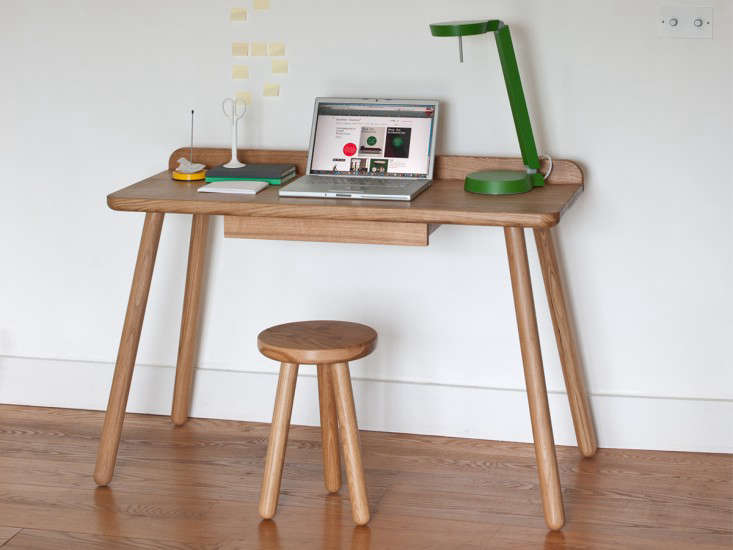 10 Easy Pieces: Desks for Small Spaces - Remodelista