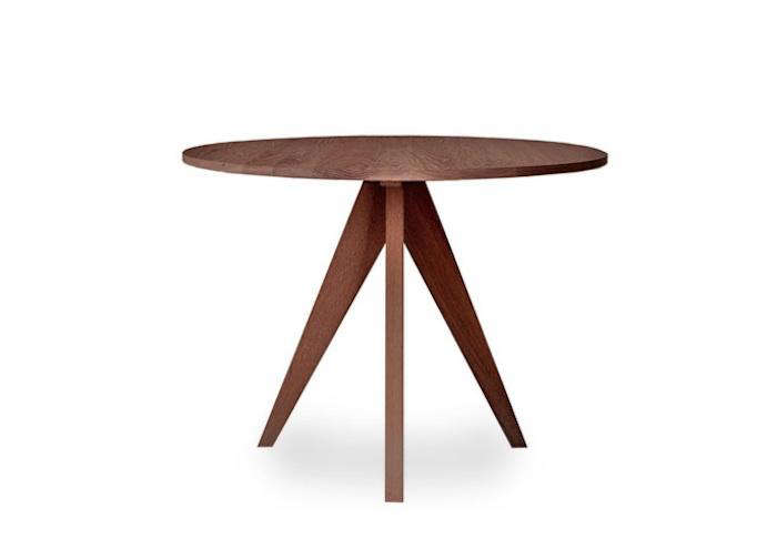 10 easy pieces modern round kitchen tables remodelista for Small round wooden table