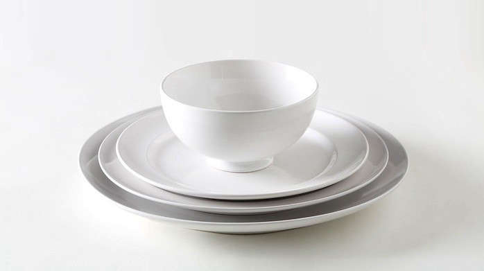 Above Billy Cottonu0027s White Dinnerware is made of stoneware dipped in a white glaze. A Dinner Plate costs $15 at March in San Francisco. & 10 Easy Pieces: Basic White Dinnerware - Remodelista