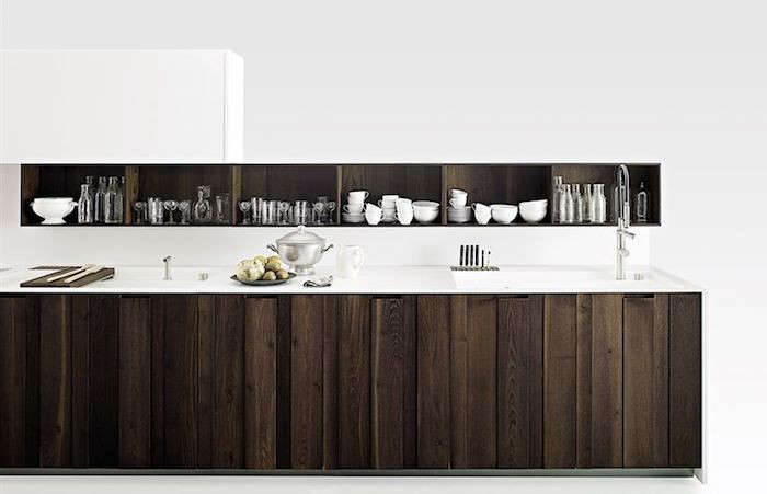 bella cucina 8 italian kitchen systems remodelista. Black Bedroom Furniture Sets. Home Design Ideas
