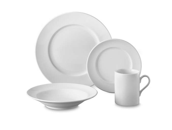 10 Easy Pieces Basic White Dinnerware  sc 1 st  Remodelista : plain white dinnerware - pezcame.com