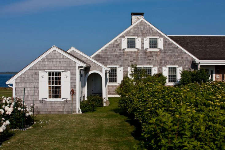 The 1930s Rhode Island Summer Cottage Of Entrepreneurs Dara And Dan Brewster Is Perched On