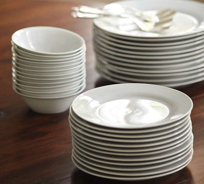 The Catereru0027s 12-Piece Dinner Plate Set includes a dozen dinner plates; $59 for & 10 Easy Pieces: Entertaining for a Crowd - Remodelista