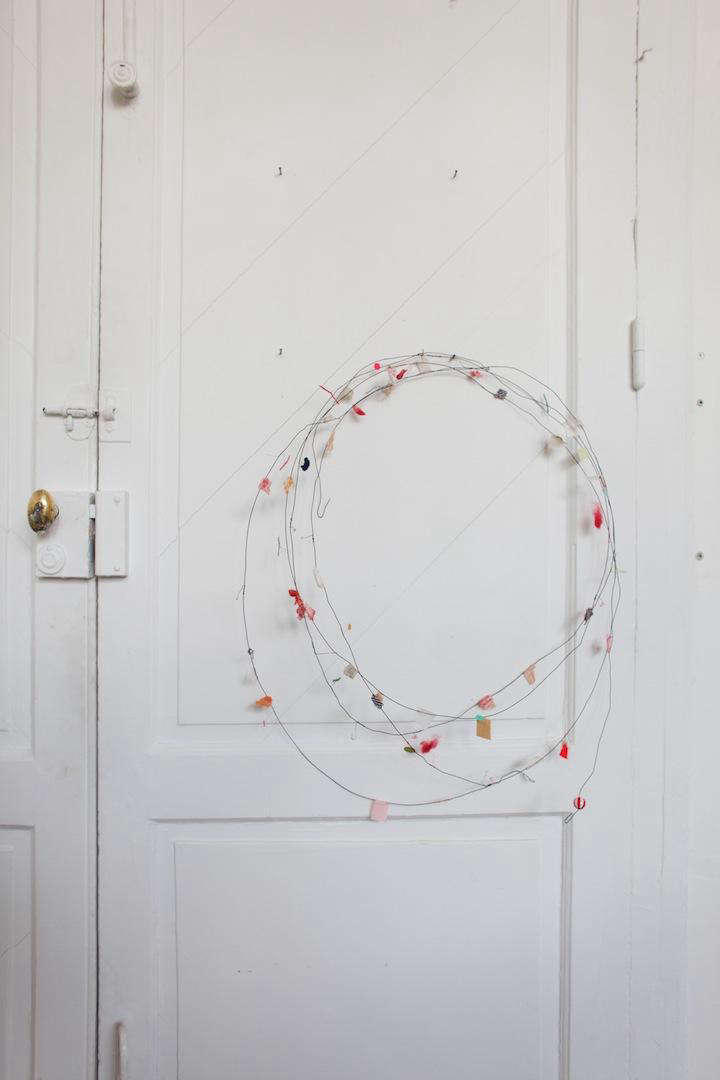 DIY: Wire Garland from Found Objects