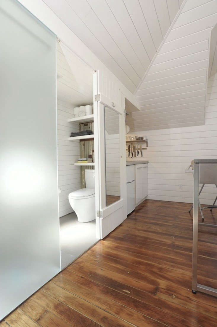 A California Carriage House Transformed Remodelista - Carriage house interiors
