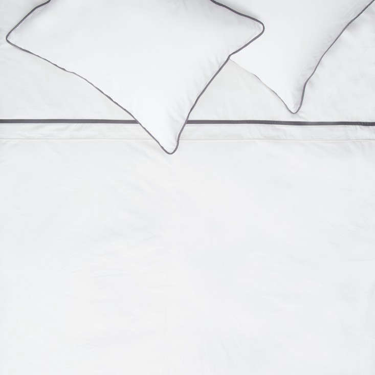 Crane u0026 Canopy  sc 1 st  Remodelista & Bedding Disrupters: Luxury Linens for Less Online Edition ...