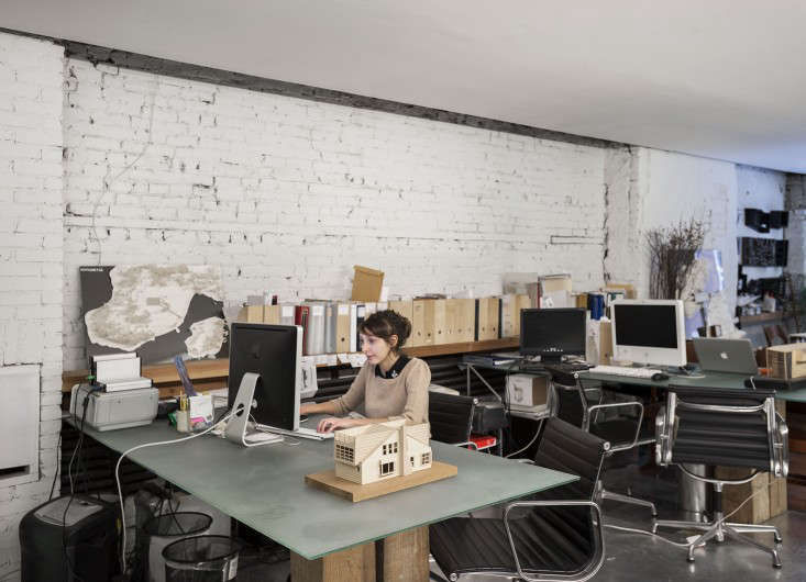 Architecture Studio Desks Life On The Edge An Architects Eccentric Nyc Loft Remodelista