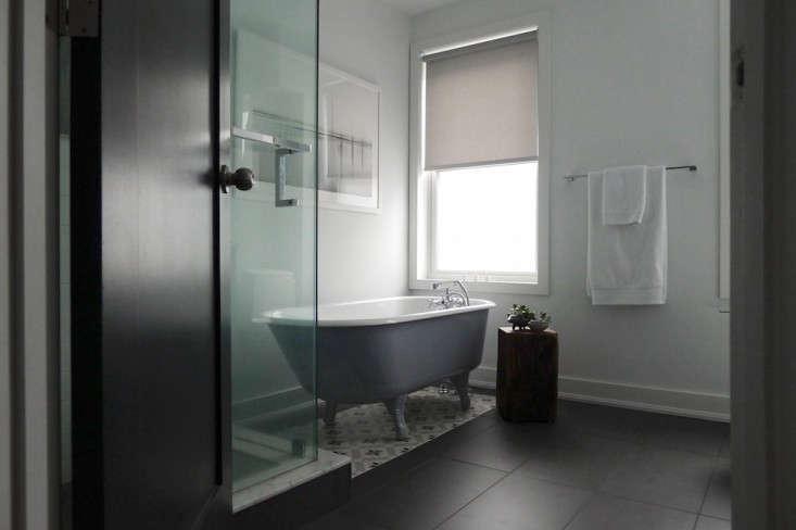 Best AmateurDesigned Bath Zachary Leung Remodelista - Remodelista bathroom