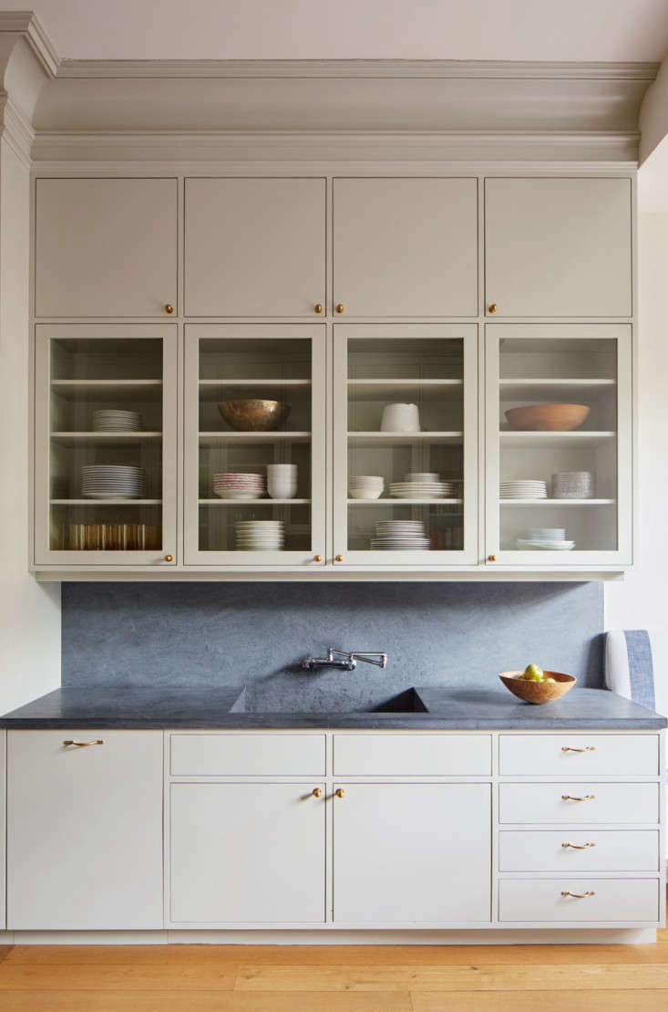 Drew Lang Of Architecture Installed Two Levels Wall Cabinets To Take Advantage The