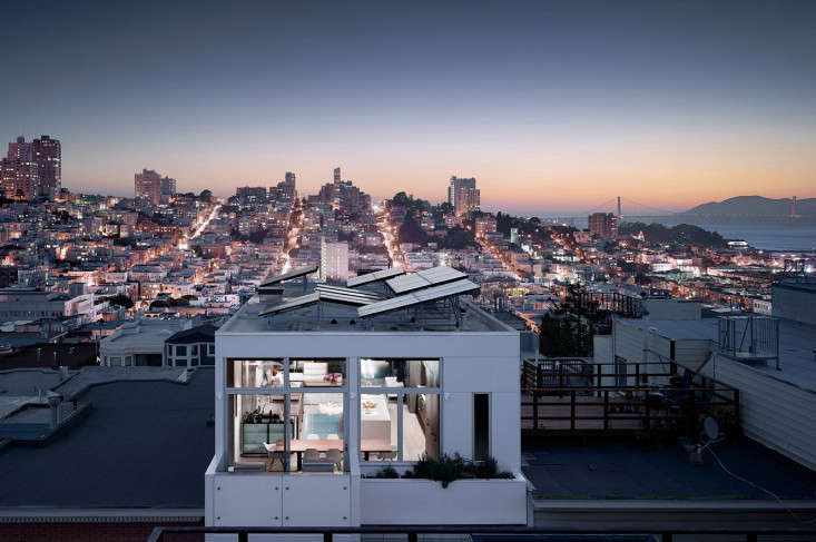 On Telegraph Hill, in San Francisco, aflat-roofed building byFeldman Architecturehassolar panels mounted at an angle to catch the sun&#8