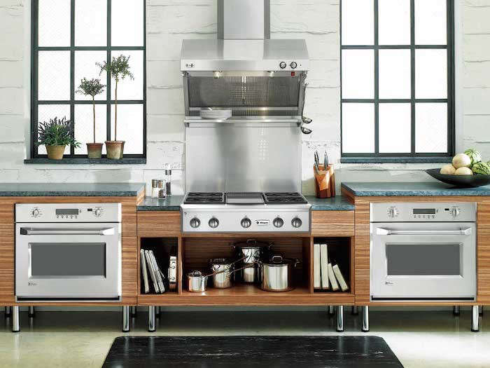 Instead Of The Double Height Wall Oven Duo This Kitchen Uses Two Ovens