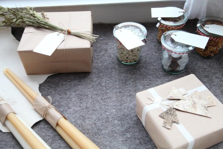 DIY: Holiday Gift Wrap, 5 Ways