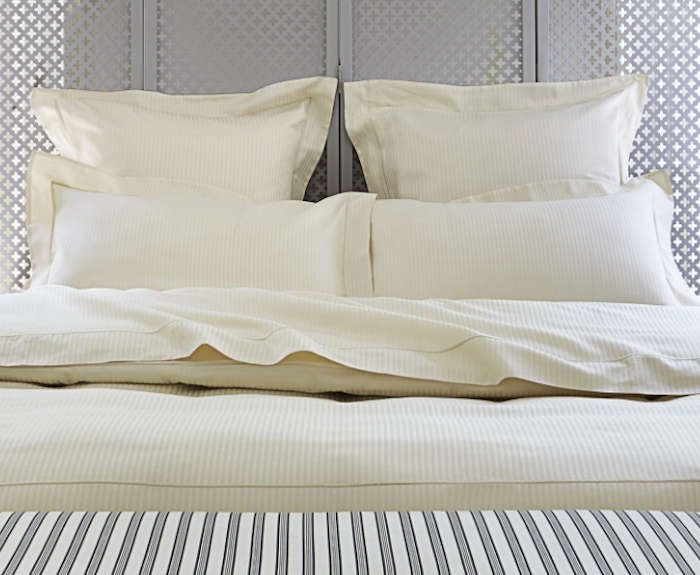Luxury  Easy Pieces Simple White Sheets