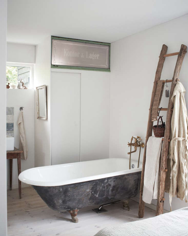 Steal This Look An Artful En Suite Bath In Copenhagen Remodelista