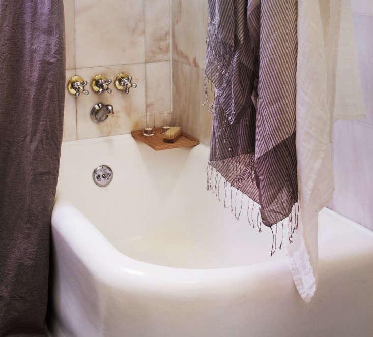 DIY: Refinishing a Bathtub - Remodelista
