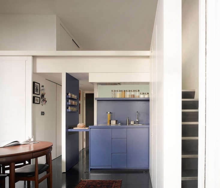 Kitchen of the Week: A Shape-Shifting Studio Apartment in London ...