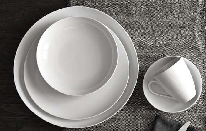 & 10 Easy Pieces: Basic White Dinnerware - Remodelista