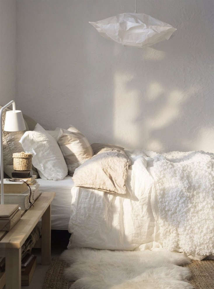 Above Stylist Paula Eklund dissects the winter white bedroom on Ikea Family Living Magazine and while the look can be sourced through the Scandi ... & Steal This Look: Serene Scandinavian Winter Bedroom - Remodelista
