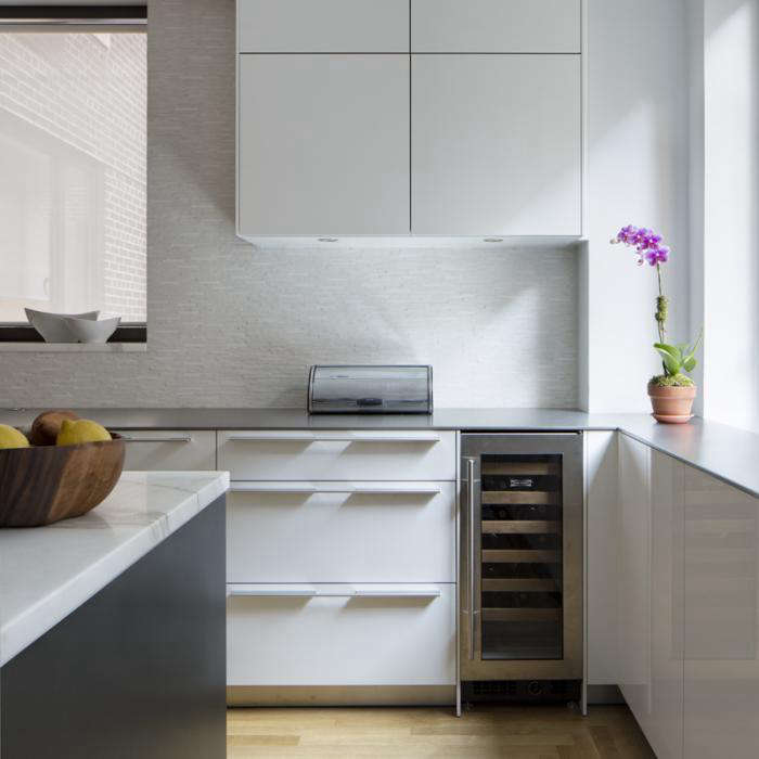 10 Favorites: White Kitchens from Remodelista Directory Members