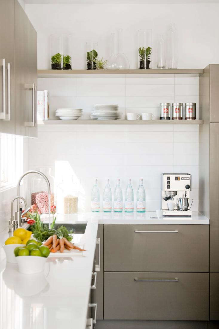 10 Favorites: White Kitchens from Remodelista Directory Members ...