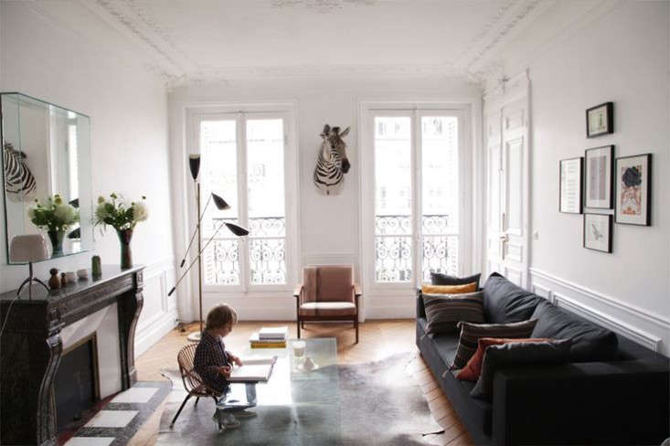 Above You Don T Need Very Much To Decorate This Type Of Apartment Cécile Tells Us The Trap In My Opinion Is Overdo Classicism And Second