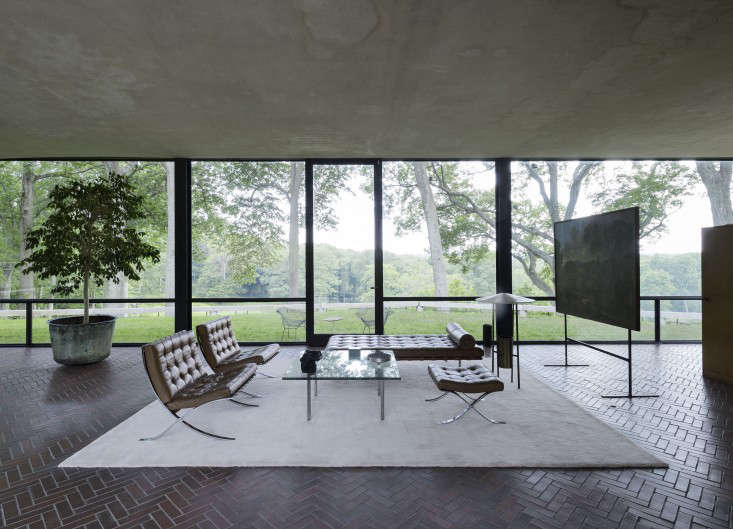 Above johnsons living room furniture is by his friend ludwig mies van der rohe the glass house itself was directly inspired by a model of miess