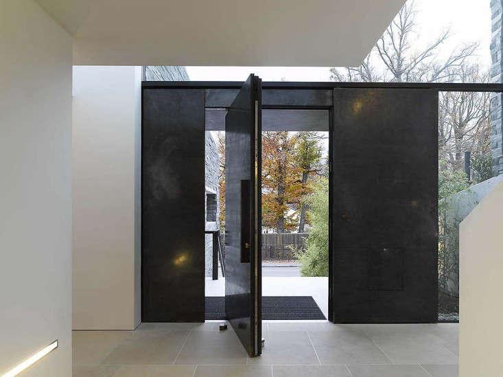 Architect Visit: Pivot Door Roundup & Architect Visit: Pivot Door Roundup - Remodelista Pezcame.Com