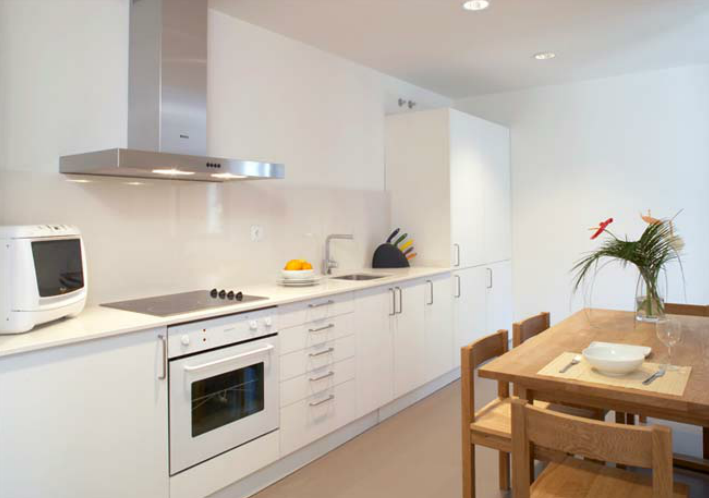 Great Above: An Eixample Apartment Kitchen.