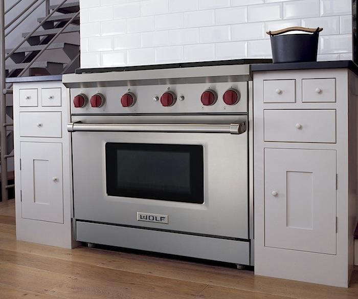 A Perfect Pairing Sub Zero S French Door Refrigerator And Wolf New Gas Range Remodelista