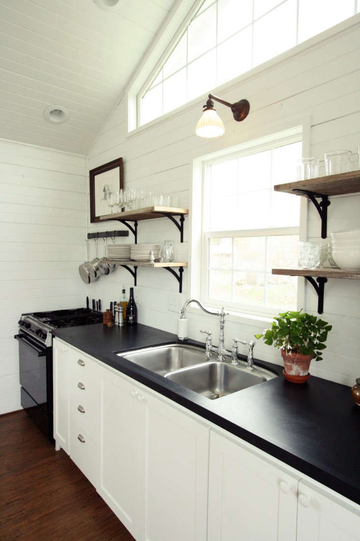 Small-Space Living: A Low-Cost Cabin Kitchen for a Family of Five ...