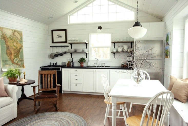 Small Space Living A Low Cost Cabin Kitchen For A Family Of Five Remodelista
