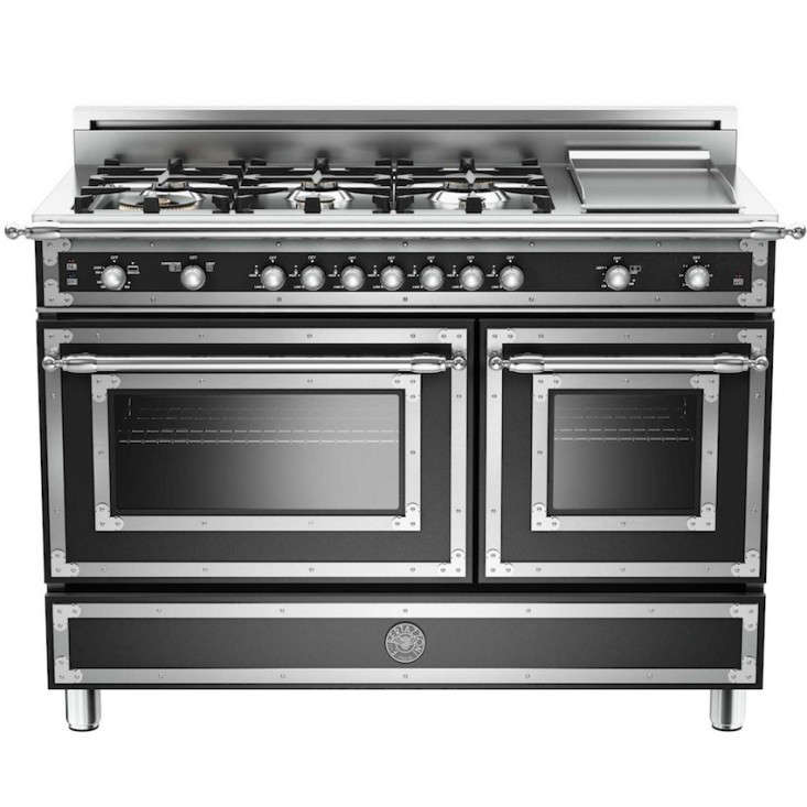 6 Chateau Style Cooking Ranges For The Luxe Holiday Kitchen