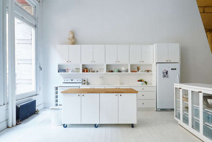 A Modern Office On A Startup Budget Brad Sherman For Sakara Life Remodelista