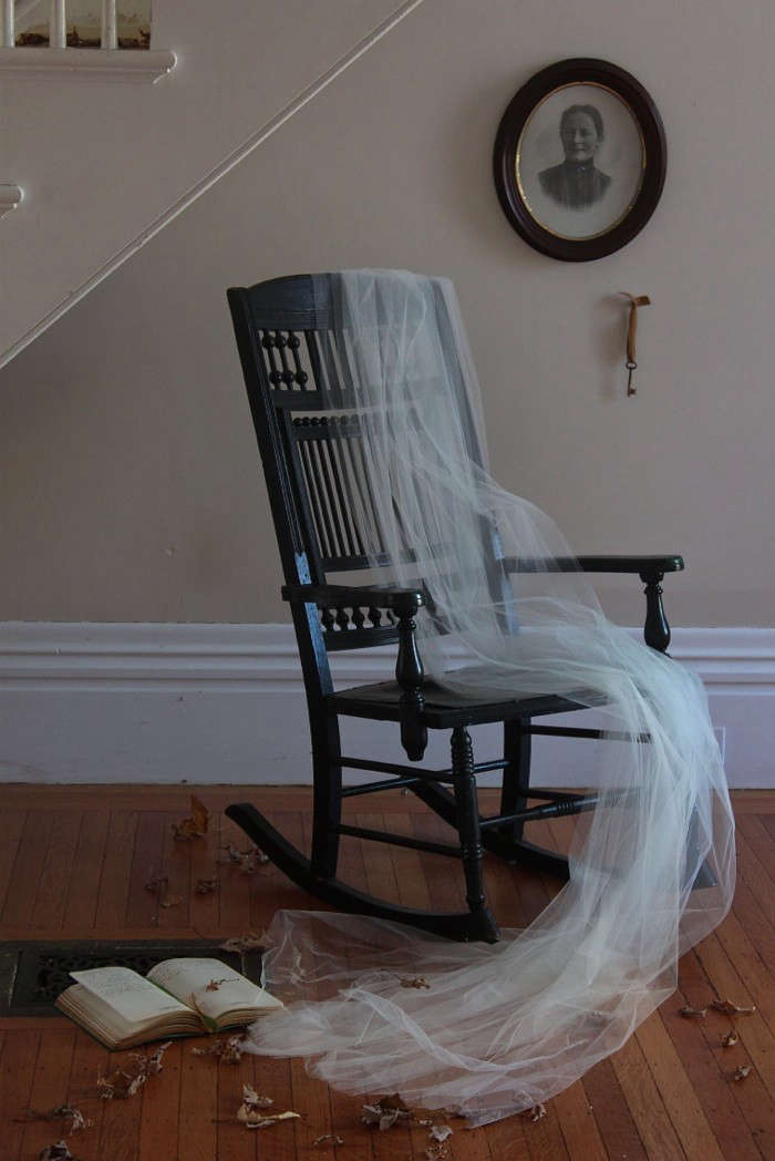 DIY: Justine's Haunted Hall