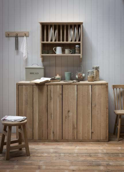 Above A single strip of wood functions as a plate rack in the British Standard Shepherdu0027s Hut kitchen (being featured later today). & 10 Easy Pieces: Wall-Mounted Plate Racks - Remodelista