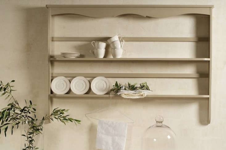 Above The handmade Decorative Plate Rack from Devol is available in two sizes the small is £310 and the large is £360. & 10 Easy Pieces: Wall-Mounted Plate Racks - Remodelista