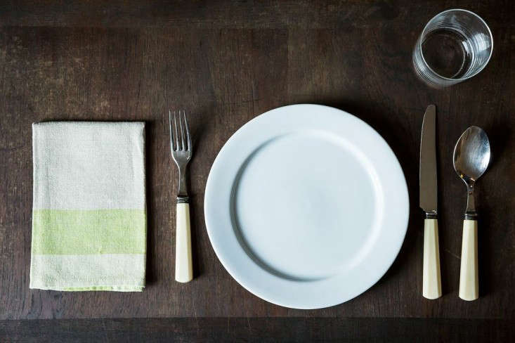 expert advice how to set the table courtesy of food 52 remodelista. Black Bedroom Furniture Sets. Home Design Ideas