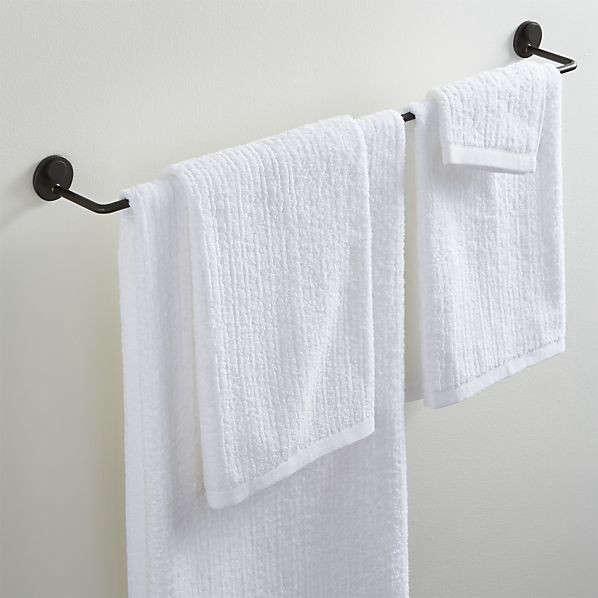 High/Low: Scandi-Style Bath and Wardrobe Storage Accessories