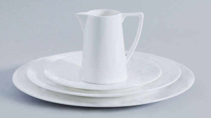 Above The iconic everyday Jasper Conran White Bone China at Wedgwood features simple and classic lines. A White Bone China Dinner Plate costs $30 from ... & 10 Easy Pieces: Basic White Dinnerware - Remodelista