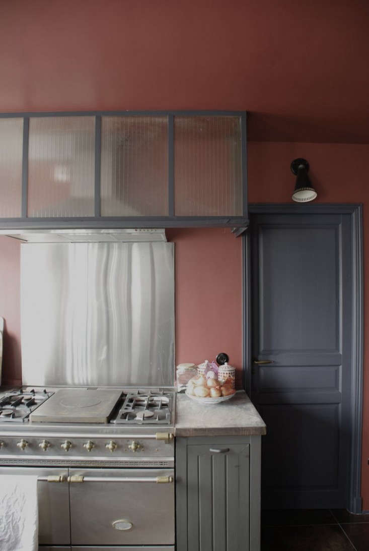 Pretty in Pink: 9 Rosy-Hued Kitchens from the Remodelista Archives ...