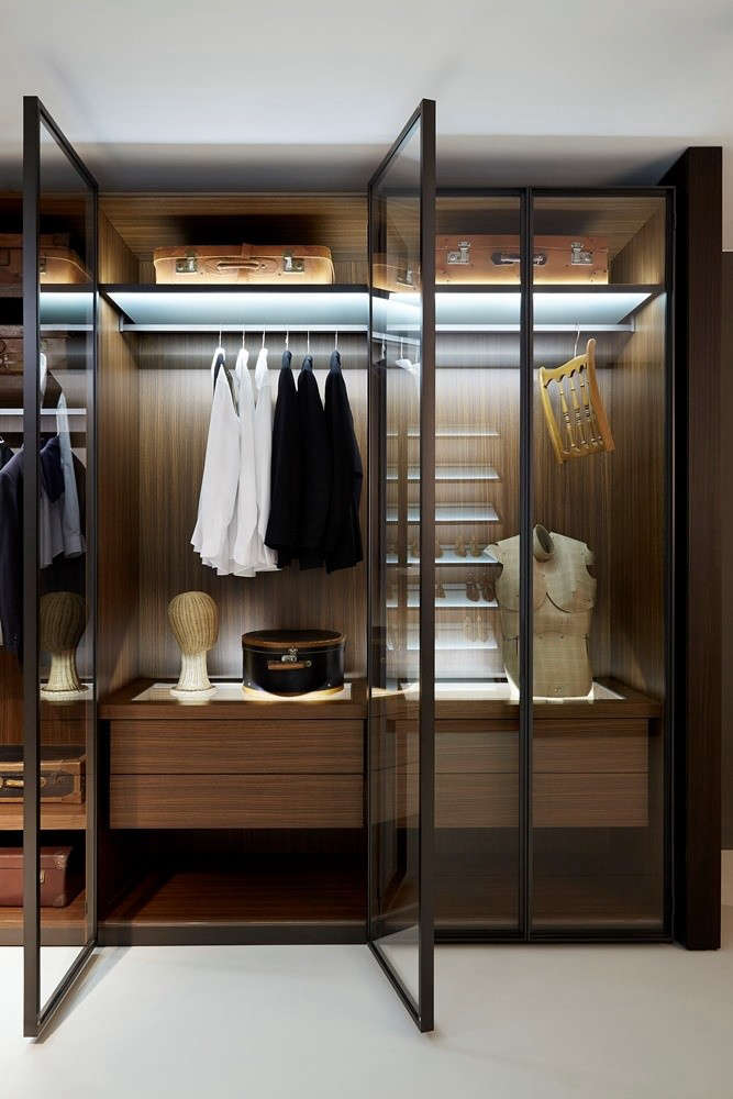 Exceptionnel Above: An Encore From Italian Architect Piero Lissoni: The Wood Paneled  Closet System For Porro; Available Through Graye.
